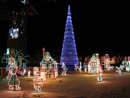 the 120 foot christmas tree is located in the center of the fantasy christmas village of bentleyville in duluth minnesota see more photos below - Lights For Christmas Village