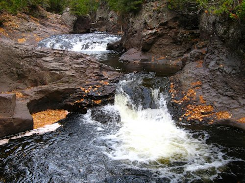 North Shore Hiking & Waterfalls - Cascade River, Grand