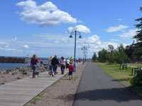 duluth canal park lakewalk boardwalk