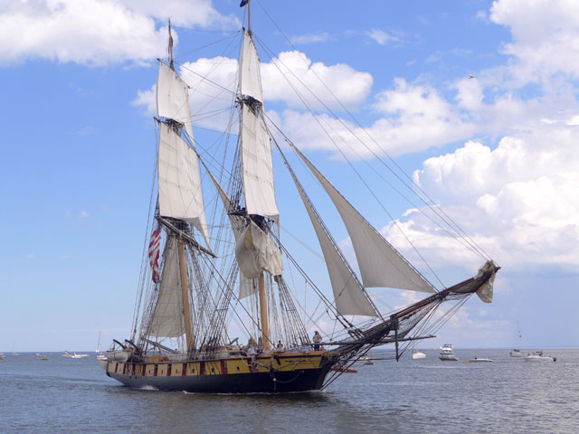 Tall Ships Tours | Brig Niagara The Peacemaker