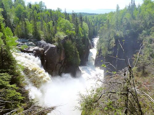 Ontario Travel Guide to the Lake Superior Circle Tour Hiking