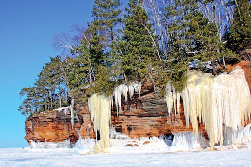 ice sculptures of the bayfield wisconsin ice caves