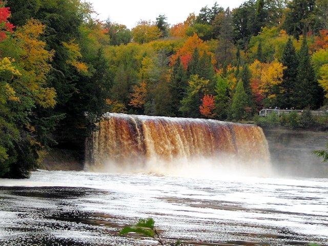 Tahquamenon Falls To Munising Michigan Superior Trails