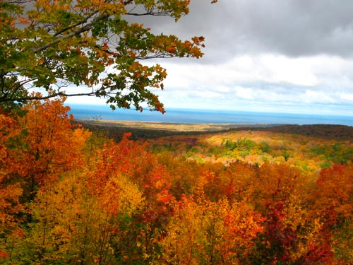 porcupine mountains in fall color